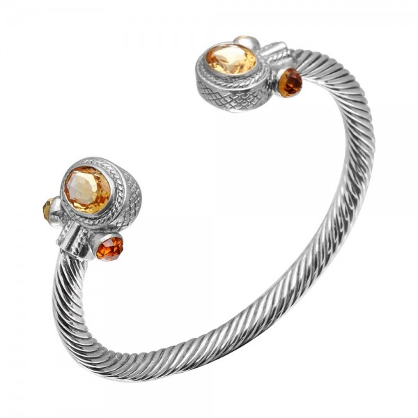 Twisted Bangle with Oval Citrine and Bullets on the side made in Sterling Silver (10 cts)